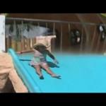 ウォータースライドにスキッドマークを残す女の子/Girl leaves skid marks on water slide