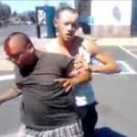 バッグを盗もうとして正当防衛でノックアウトされた強盗/Bully Beatdown: Victim Turns Tables On Would-Be Robbers
